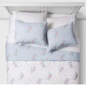 Simply Shabby Chic Full/Queen Duvet & pillowcases